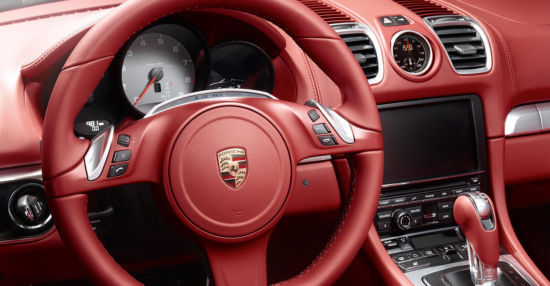 2012 Porsche Boxster S - Red interior, Steering wheel