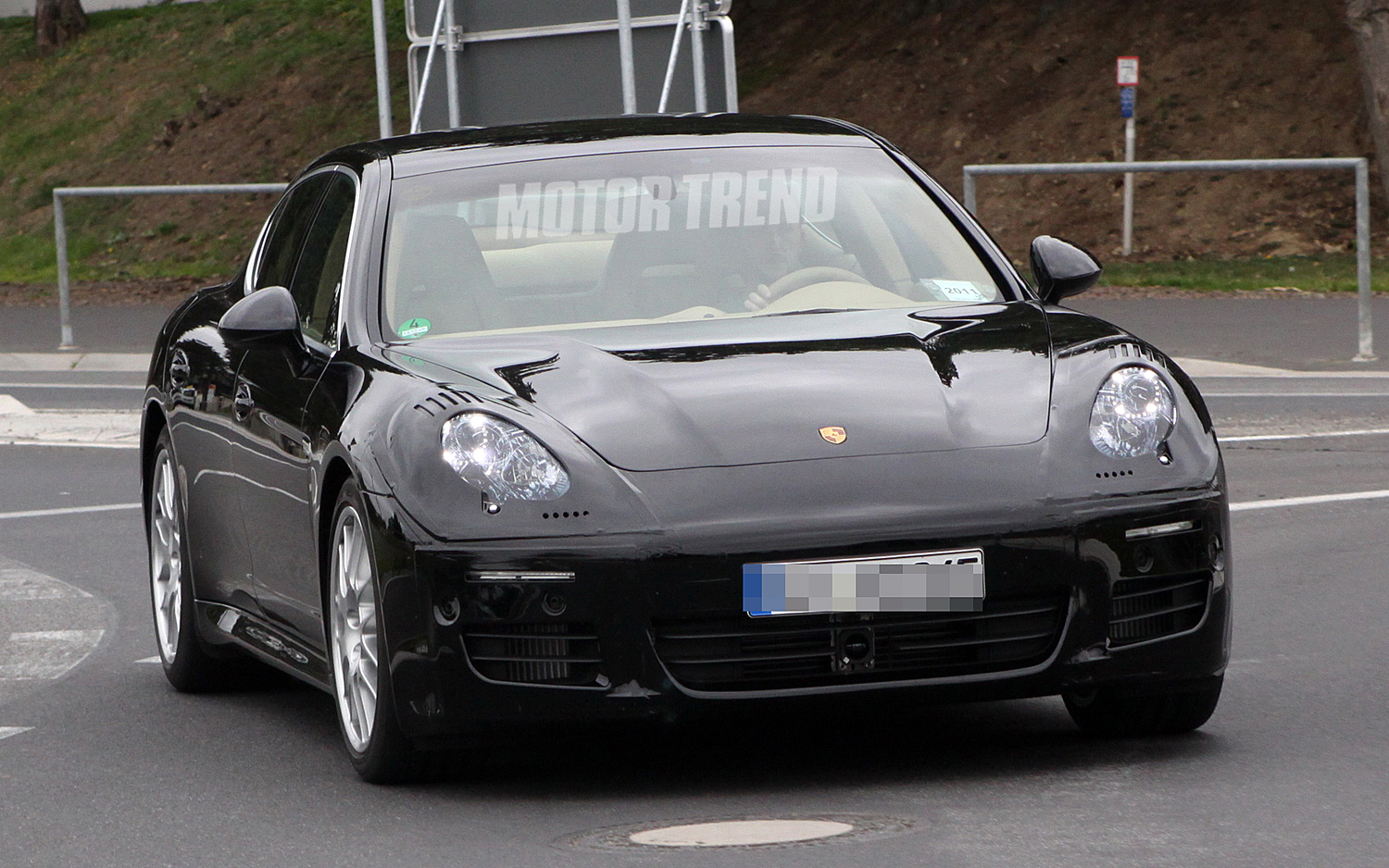2012 Porsche Panamera facelift Front angle view