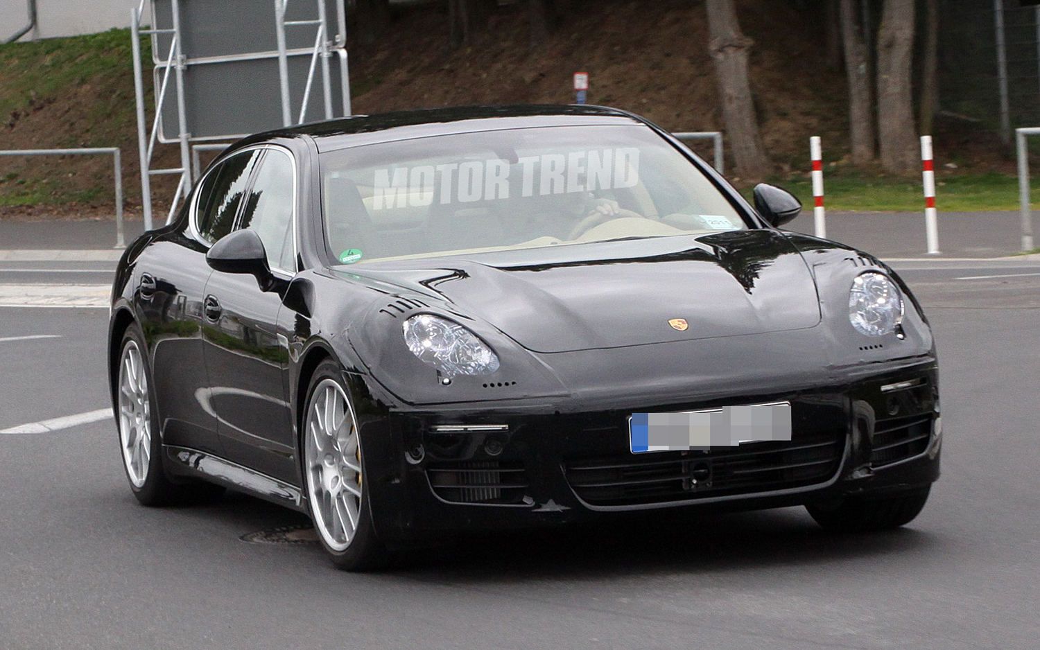 2012 Porsche Panamera facelift Front angle side view