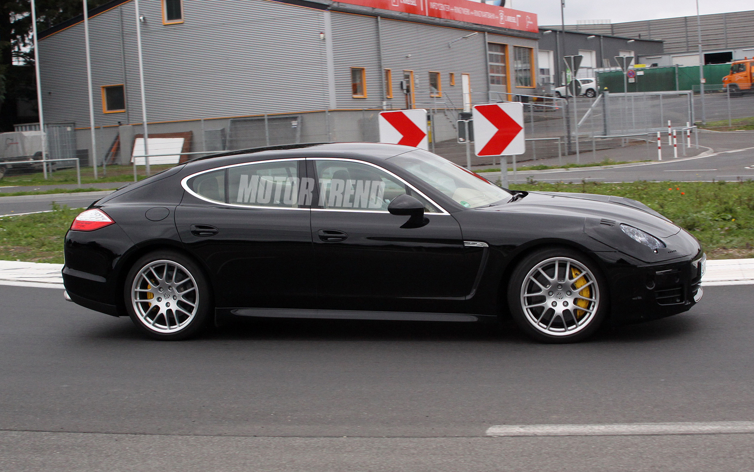 2012 Porsche Panamera facelift Side view