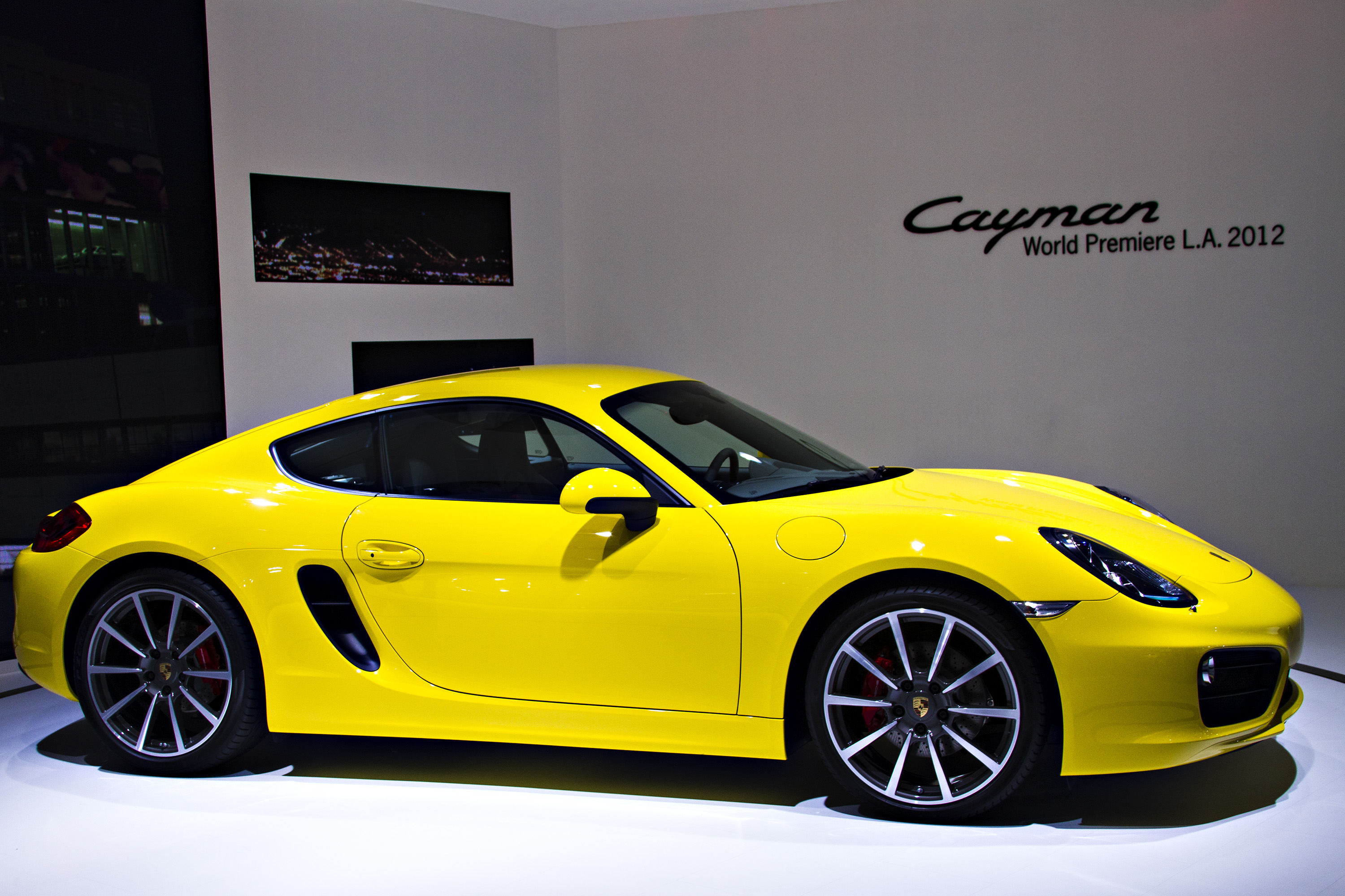 2013-porsche-cayman-world-premiere-2012-los-angeles-auto-show-by-melissa-hincha-ownby