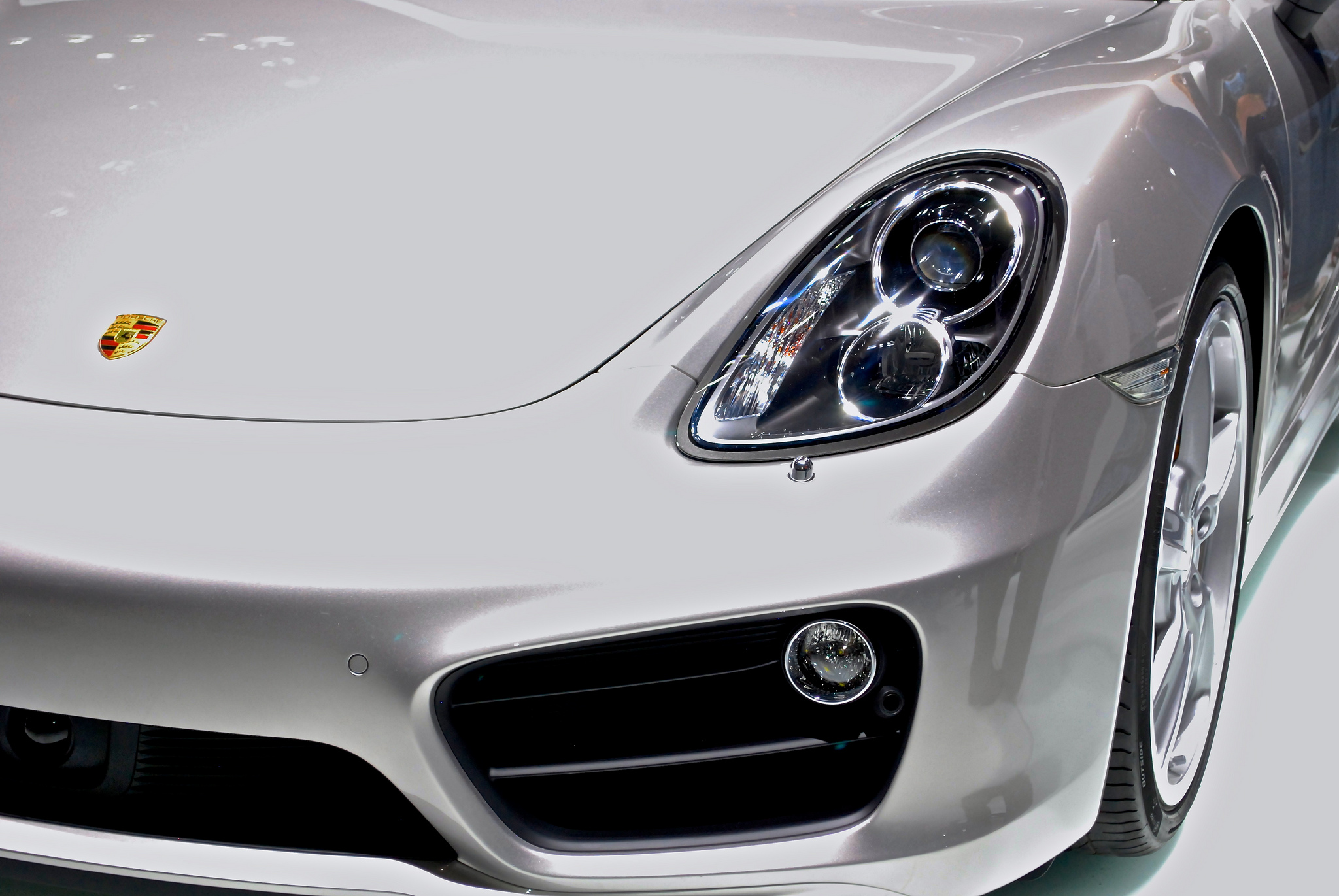2013-porsche-cayman-at-naias-2013-by-rbraughler_02