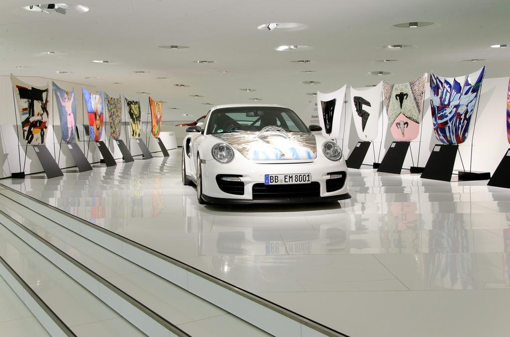 Porsche Museum: Coleccion Gomez - Porsche 911 GT2 art