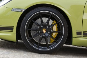 Peridot Metallic 2011 Porsche Cayman R Wheel