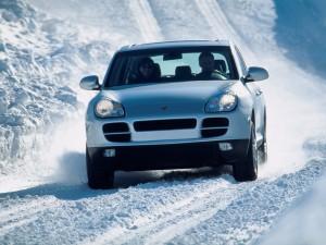 Porsche Cayenne 2004 1600x1200 wallpaper Front view