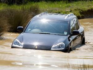 Porsche Cayenne 2008 1600x1200 wallpaper Front view In water