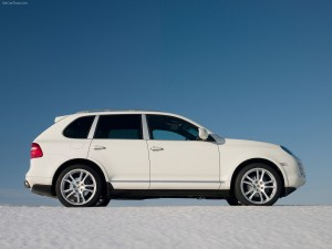 White Porsche Cayenne 2008 1600x1200 wallpaper Side view