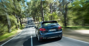 Blue Metallic Porsche Cayenne Diesel 2011 3000x1560 wallpaper Rear view