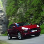 Red Porsche Cayenne GTS 2008 1600x1200 wallpaper Front angle view