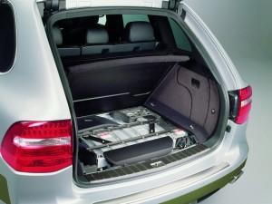 Classic Silver Metallic Porsche Cayenne Hybrid 2008 1600x1200 wallpaper Rear view