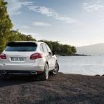 Sand White Porsche Cayenne S Hybrid 2011 3000x1560 wallpaper Rear angle view