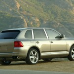 Porsche Cayenne Turbo 2004 1600x1200 wallpaper Rear angle view