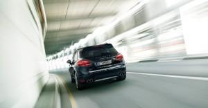 Jet Black Metallic Porsche Cayenne Turbo 2011 3000x1560 wallpaper Rear view