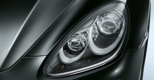 Jet Black Metallic Porsche Cayenne Turbo 2011 3000x1560 wallpaper Head light