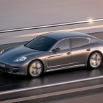 2012 Porsche Panamera Turbo S Wallaper Side angle view