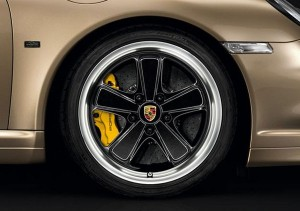 Limited Porsche 911 Turbo S China 10 Year Anniversary Edition Side view Wheel