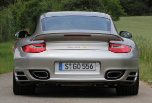 Limited edition: Porsche 911 Turbo S Edition 918 Spyder Rear view