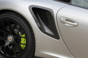 Limited edition: Porsche 911 Turbo S Edition 918 Spyder Side view