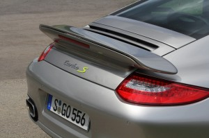 Limited edition: Porsche 911 Turbo S Edition 918 Spyder Rear angle view